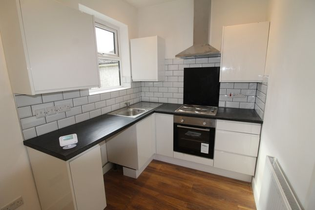 Thumbnail Flat to rent in Belmont Road, South Norwood