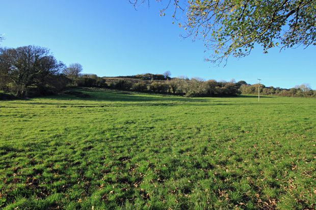 Thumbnail Land to rent in Carmarthen Road, Kidwelly, Carmarthenshire