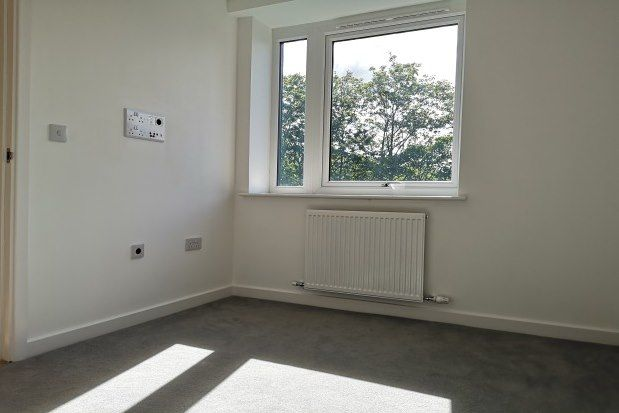 Thumbnail Flat to rent in Warren Road, Cheadle