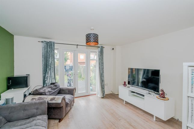 19, Yorkshire Grove, Walsall, West Midlands, Ws2 7