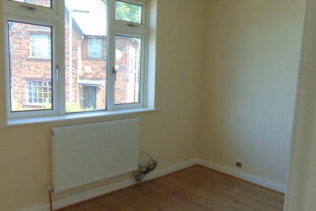 Thumbnail Detached house to rent in Lowe Green, Oldham
