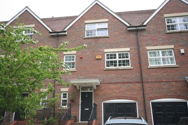 Thumbnail Town house to rent in Bernardines Way, Buckingham