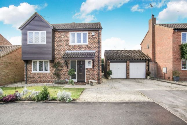 Thumbnail Detached house for sale in Bunyan Close, Tring