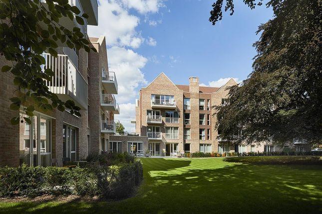 Thumbnail Flat to rent in Alderley Road, Wilmslow