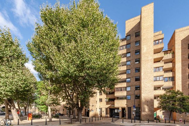 2 bed flat for sale in Hopton Street, London SE1