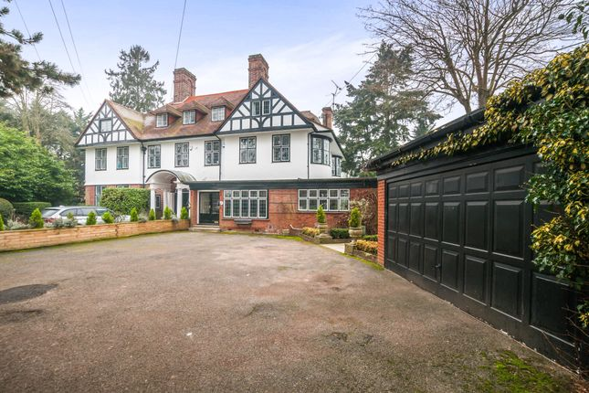 Thumbnail Property to rent in Newlands Drive, Maidenhead