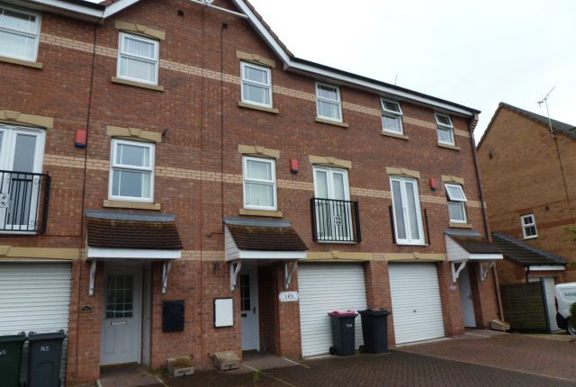 Thumbnail Detached house to rent in Rotherham Road, Dinnington, Sheffield