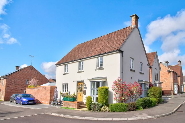 4 bed detached house for sale in Spire Close, Basingstoke RG24