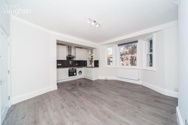 2 bed flat to rent in Clarendon Villas, Hove BN3