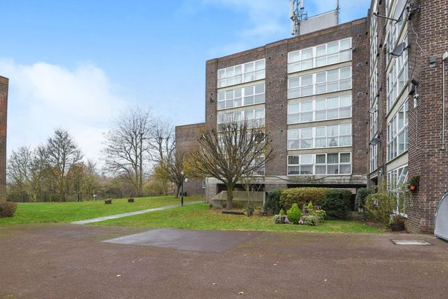1 bed flat for sale in Harris Close, Hounslow