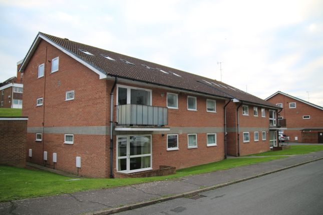 2 bed flat to rent in Surrey Road, Seraford BN25