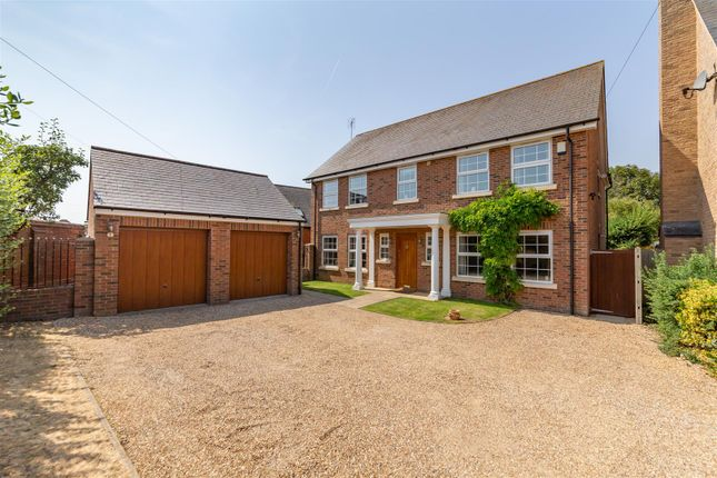 Thumbnail Detached house for sale in Sparksfield, Park Lane, Henlow
