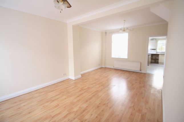 Thumbnail Terraced house to rent in Tanners Hill, Abbots Langley