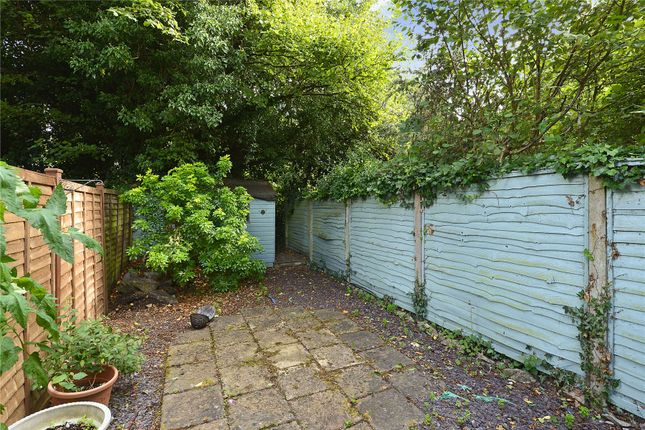 Picture No. 17 of 6 Yew Tree Road, Witley, Surrey GU8