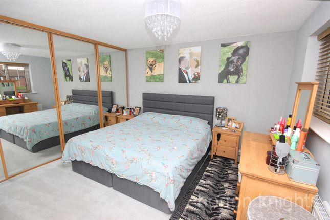 Master Bedroom of Fairford Close, Cantley, Doncaster DN4