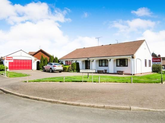 Thumbnail Bungalow for sale in Lighthorne Rise, Luton, Bedfordshire