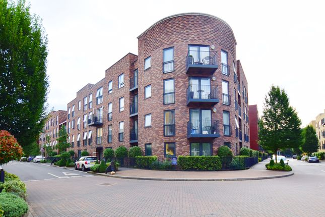 Thumbnail Flat to rent in Madeleine Court, Letchworth Road, Stanmore