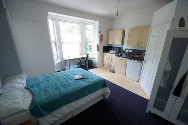 Studio to rent in Flat 6 Holyhead Road, Coundon