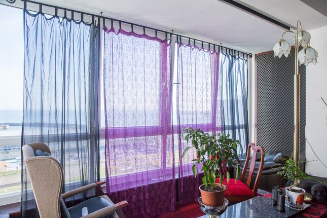 2 bed flat for sale in Marine Gate, Marine Drive, Brighton