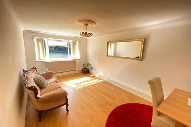 Thumbnail Flat to rent in Flat, Parkside Court, Palmerston Road, London