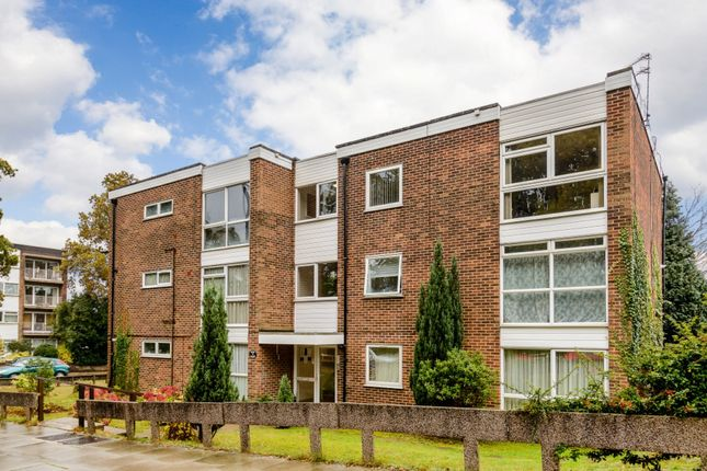 Thumbnail Flat for sale in Chaseville Park Road, London, London