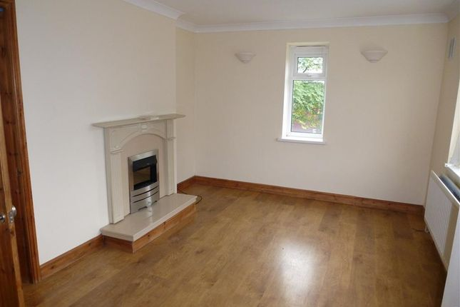 2 bed flat to rent in South Dene, South Road, Smethwick B67