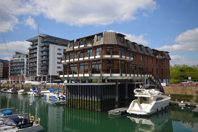 Thumbnail Flat to rent in Calshot Court, Channel Way, Ocean Village, Southampton