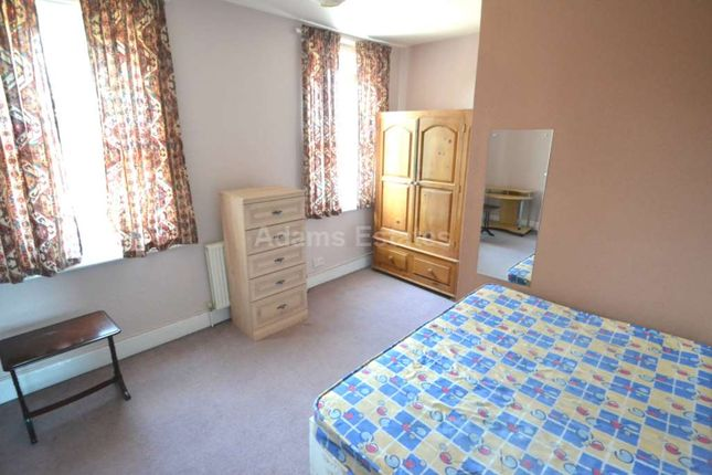 Thumbnail Flat to rent in Basingstoke Road, Spencers Wood, Reading