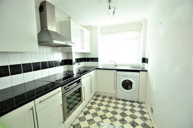 Thumbnail Flat to rent in 251-255 Kingsway, Hove