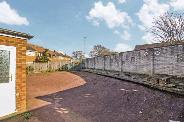 Photo 8 of Wistow Road, Luton LU3