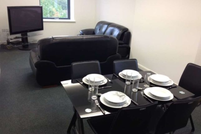 Thumbnail Room to rent in Ensuite Double Room, Sun House, Gardner Street, Salford