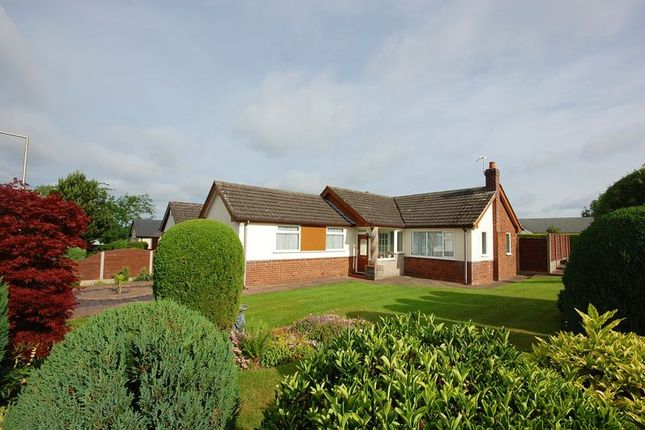 Thumbnail Detached bungalow to rent in Thornway, High Lane, Stockport