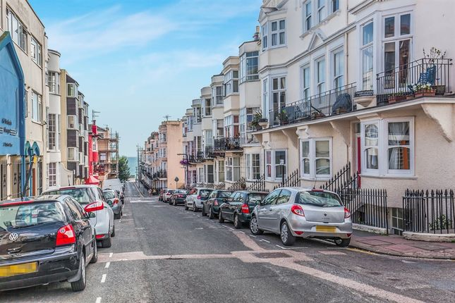 2 bed flat for sale in Bedford Place, Brighton