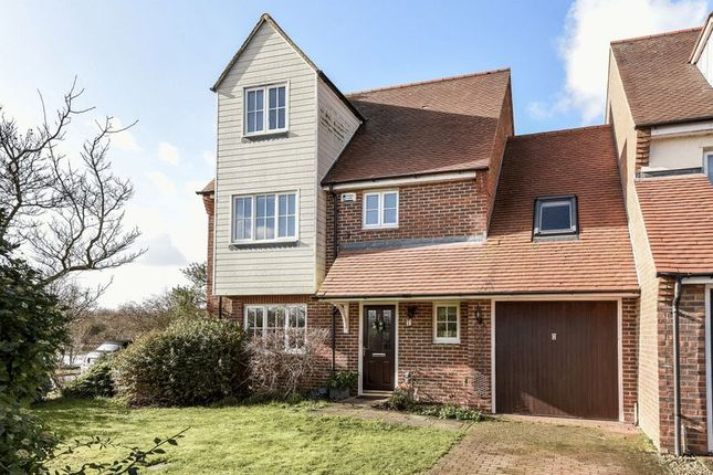 Thumbnail Semi-detached house for sale in South Quay, Abingdon