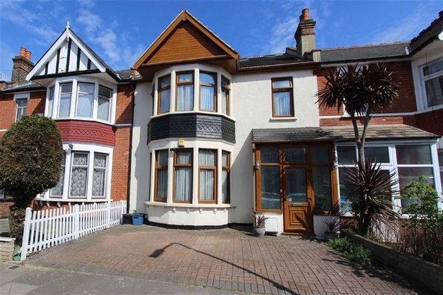 Thumbnail Terraced house for sale in Arundel Gardens, Ilford, Essex