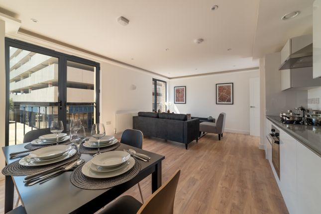 Thumbnail Flat to rent in Lurke Street, Bedford