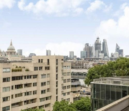 Thumbnail Flat to rent in Southbank Towers, Southwark