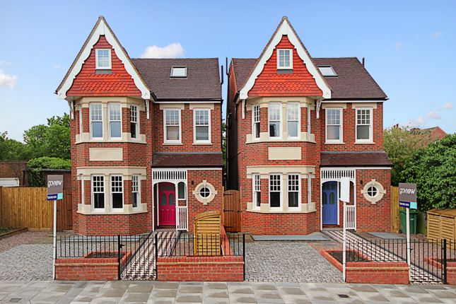 Thumbnail Semi-detached house to rent in Ascott Avenue, London