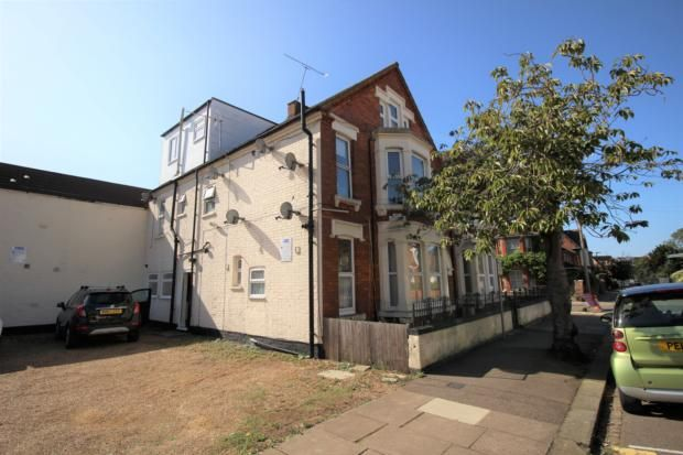 Thumbnail Flat to rent in Milton Road, Bedford