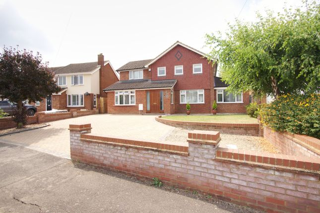 Thumbnail Detached house for sale in Long Meadow, Aylesbury, Bucks