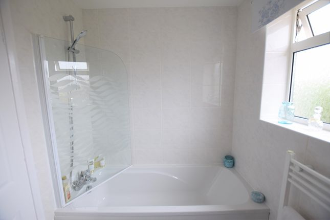 Bathroom of Tower Close, Pevensey Bay BN24