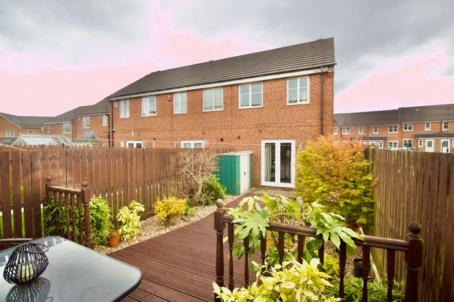 Thumbnail Town house for sale in Beanland Gardens, Wibsey, Bradford