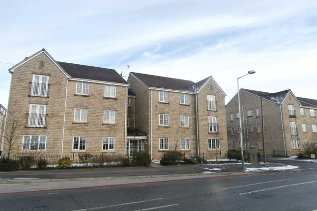 2 bed flat to rent in Manchester Road, Haslingden, Rossendale BB4