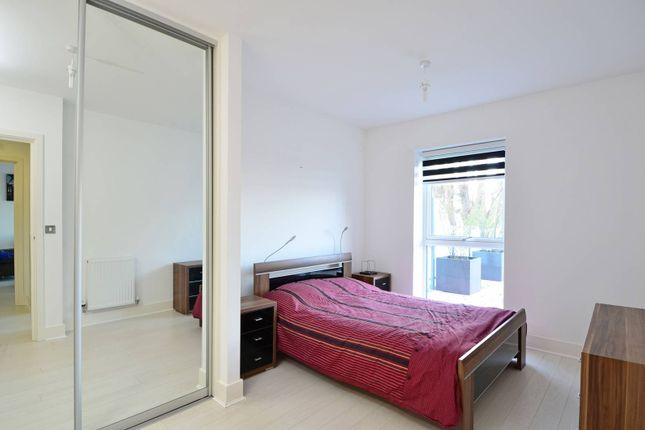 Thumbnail Flat to rent in Coombe Lane, Raynes Park, London
