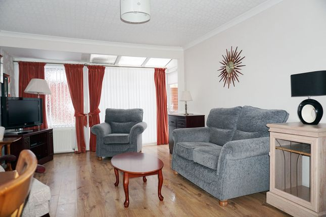 Thumbnail Bungalow for sale in Maple Terrace, Greenhills, East Kilbride