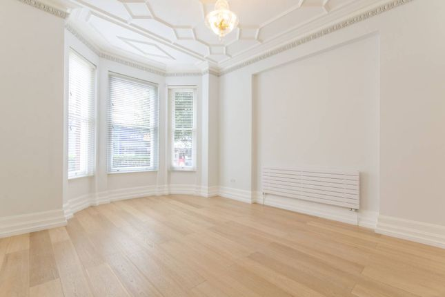 Thumbnail Flat for sale in Sandwell Mansions, West Hampstead