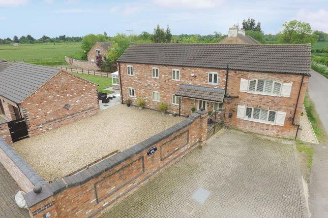 Thumbnail Barn conversion for sale in Holt Lane, Cosby, Leicester