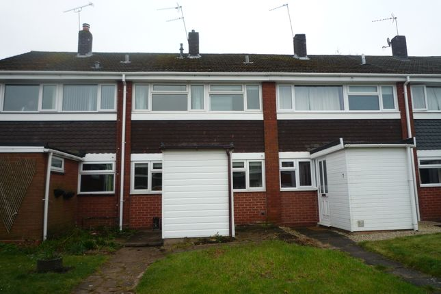 Town house to rent in Grange Road, Penkridge
