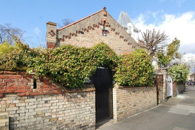 Thumbnail Cottage to rent in Parkhill Road, London