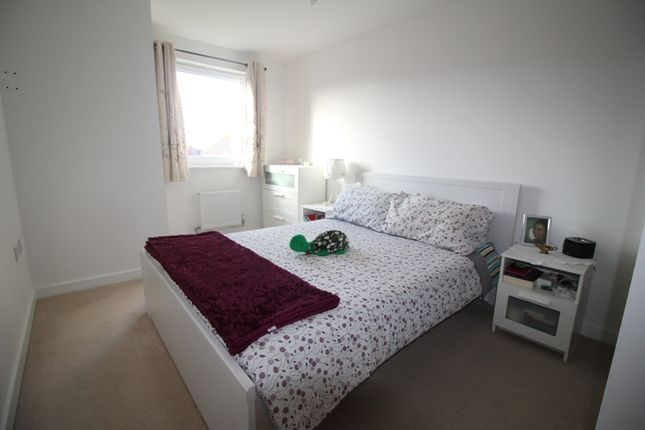 Bedroom 1 of Groombridge Avenue, Langney Point, Eastbourne BN22